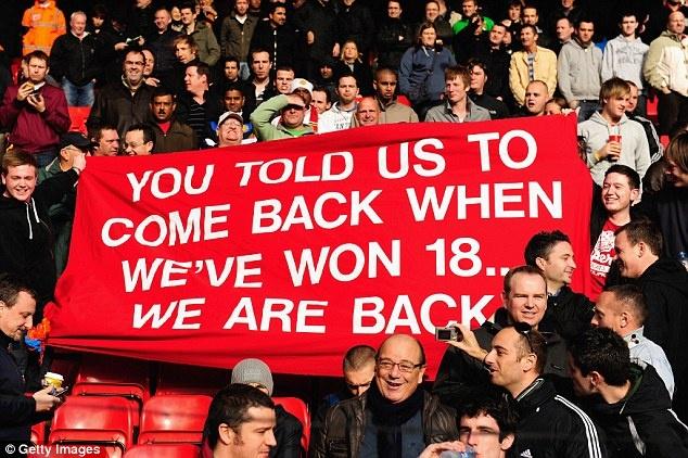 Tro he cua CDV Premier League qua nhung tam banner hinh anh 9