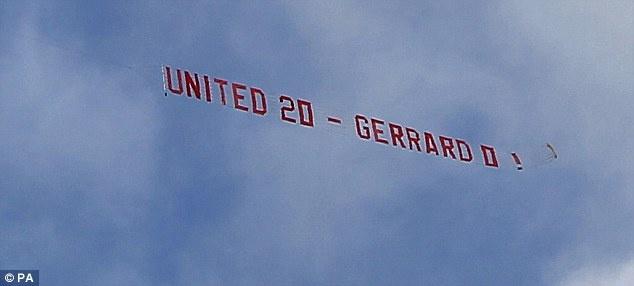Tro he cua CDV Premier League qua nhung tam banner hinh anh 11