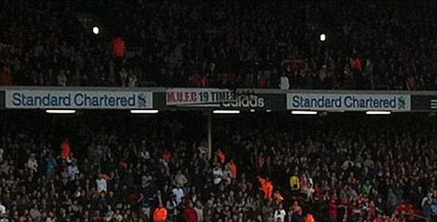 Tro he cua CDV Premier League qua nhung tam banner hinh anh 10