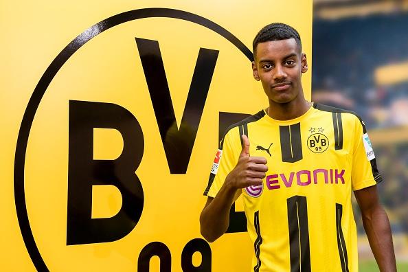 Dortmund so huu 5 sao tre sang gia anh 5