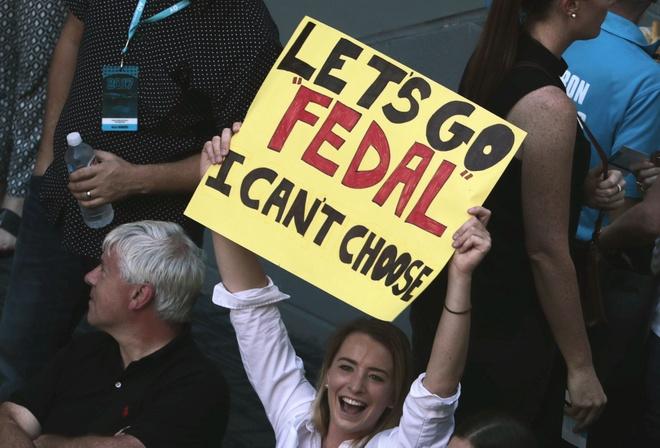Vo, ban gai chay het minh co vu Federer, Nadal hinh anh