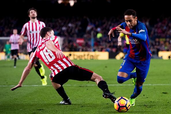 Pha ky luc sut phat, Messi giup Barca bam duoi Real hinh anh 5