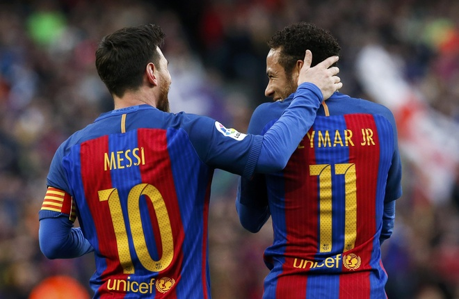 Pha ky luc sut phat, Messi giup Barca bam duoi Real hinh anh 7