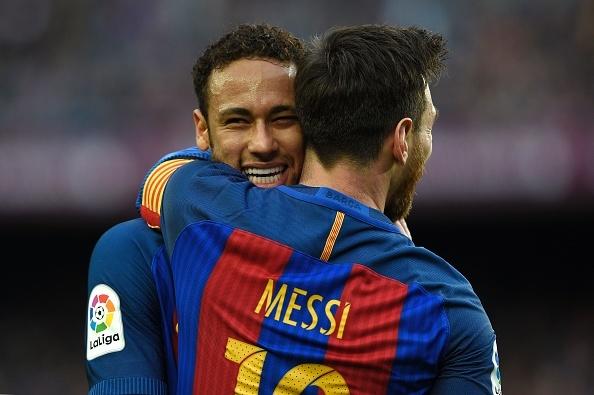 Pha ky luc sut phat, Messi giup Barca bam duoi Real hinh anh 9