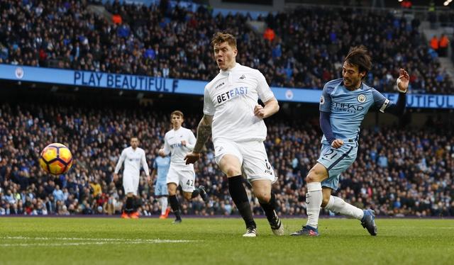 Man City vs Swansea (2-1): Gabriel Jesus lap cu dup hinh anh 17