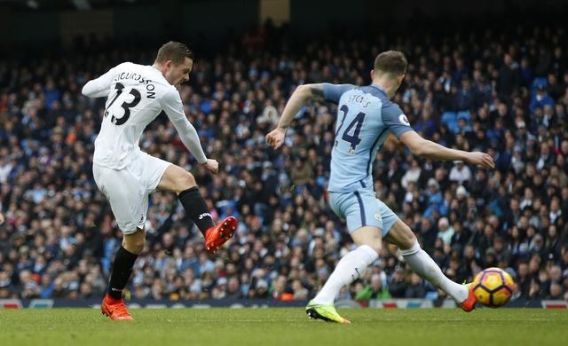 Man City vs Swansea (2-1): Gabriel Jesus lap cu dup hinh anh 19