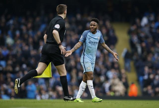 Man City vs Swansea (2-1): Gabriel Jesus lap cu dup hinh anh 12