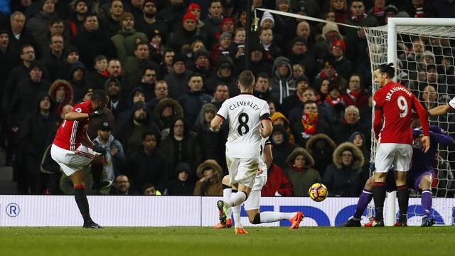 MU vs Watford (2-0): Martial ruc sang hinh anh 26