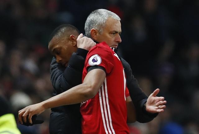 MU vs Watford (2-0): Martial ruc sang hinh anh 31