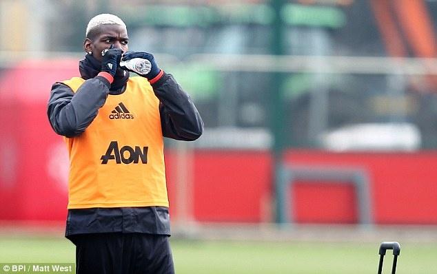 Mourinho: 'Me Pogba khong muon chung toi gianh chien thang' hinh anh 2