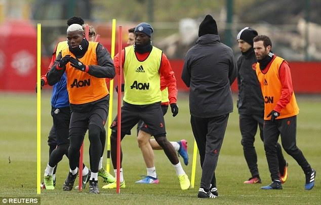 Mourinho: 'Me Pogba khong muon chung toi gianh chien thang' hinh anh 3