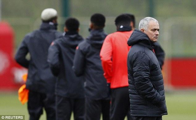 Mourinho: 'Me Pogba khong muon chung toi gianh chien thang' hinh anh 9