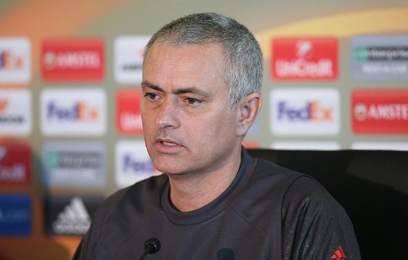 Mourinho: 'Me Pogba khong muon chung toi gianh chien thang' hinh anh 10