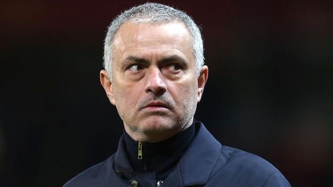 Mourinho kho chiu voi thai do cua cau thu MU hinh anh 1