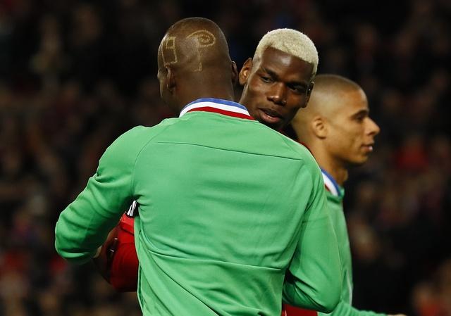 MU 3-0 Saint Etienne: Hat-trick dau tien cua Ibra hinh anh 19