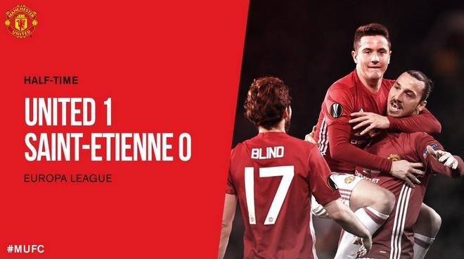 MU 3-0 Saint Etienne: Hat-trick dau tien cua Ibra hinh anh 24