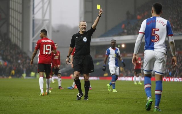 Blackburn 1-2 MU: Pogba - Ibra phoi hop ghi ban hinh anh 17