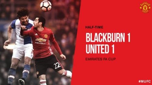 Blackburn 1-2 MU: Pogba - Ibra phoi hop ghi ban hinh anh 19