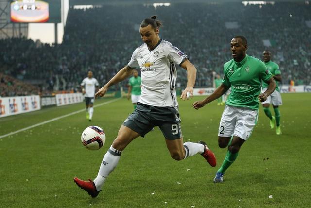 Saint Etienne vs MU (0-1): Eric Bailly nhan the do hinh anh 12