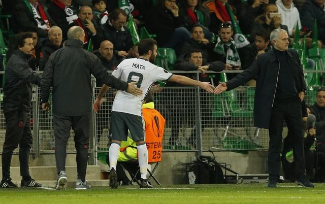 Saint Etienne vs MU (0-1): Eric Bailly nhan the do hinh anh 20