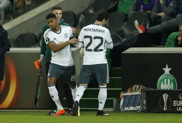 Saint Etienne vs MU (0-1): Eric Bailly nhan the do hinh anh 13