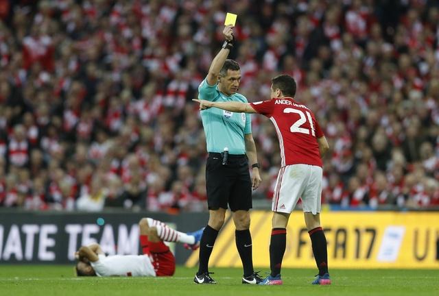 MU vs Southampton (3-2): 'Dang cuu the' Ibrahimovic hinh anh 24