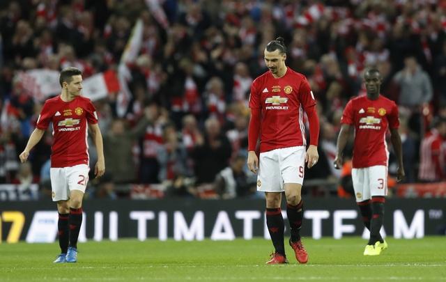 MU vs Southampton (3-2): 'Dang cuu the' Ibrahimovic hinh anh 30
