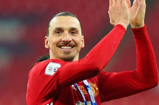 Ibra che gieu Arsenal sau chuc vo dich League Cup hinh anh