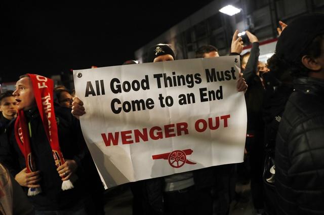 Koscielny nhan the do, Arsenal thua Bayern 2-10 sau 2 luot tran hinh anh 14