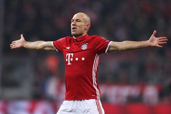 Koscielny nhan the do, Arsenal thua Bayern 2-10 sau 2 luot tran hinh anh 1
