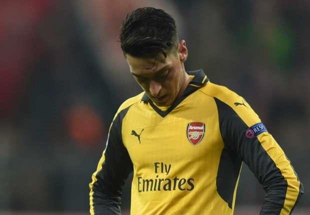 Koscielny nhan the do, Arsenal thua Bayern 2-10 sau 2 luot tran hinh anh 2