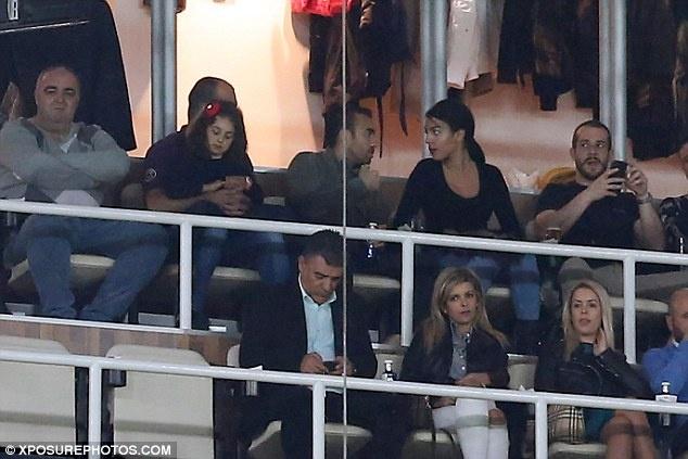 Ban gai tho o trong ngay vui cua Ronaldo hinh anh 5