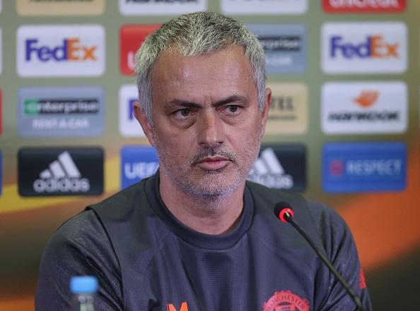Mourinho dung doi hinh khong tien dao 'phuc thu' Chelsea hinh anh 6