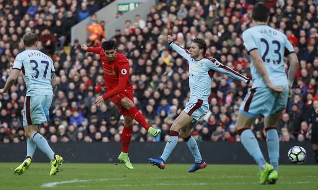 Liverpool vs Burnley (2-1): Emre Can sut xa dang cap hinh anh 20