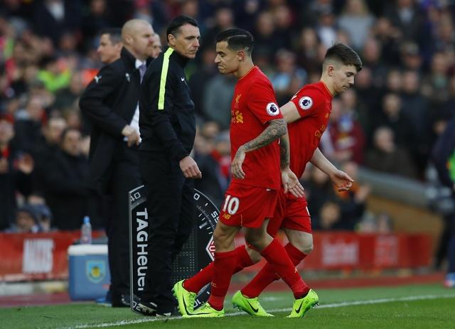 Liverpool vs Burnley (2-1): Emre Can sut xa dang cap hinh anh 19