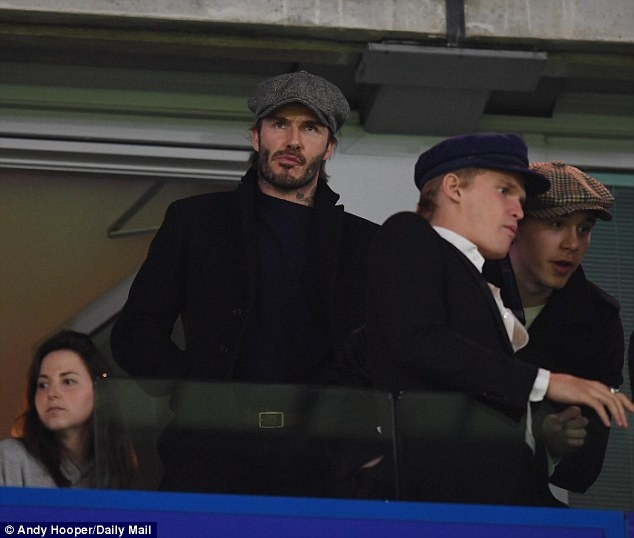 Beckham dan dau dan VIP den xem tran Chelsea gap MU hinh anh 3