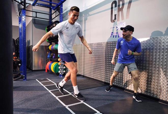 Ronaldo mo cua mien phi phong gym den het thang 3 hinh anh 3