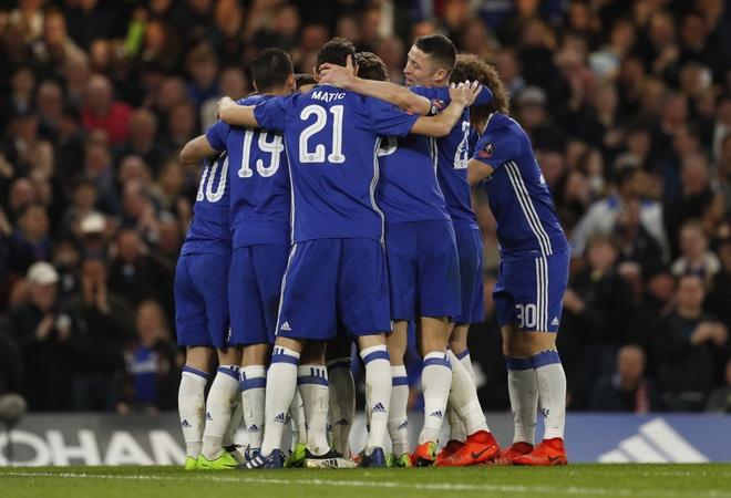 Beckham dan dau dan VIP den xem tran Chelsea gap MU hinh anh 8