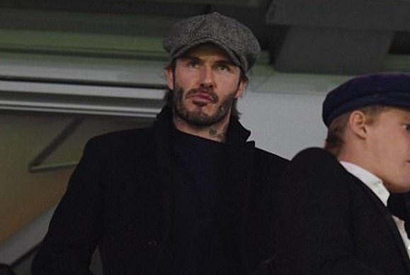 Beckham dan dau dan VIP den xem tran Chelsea gap MU hinh anh