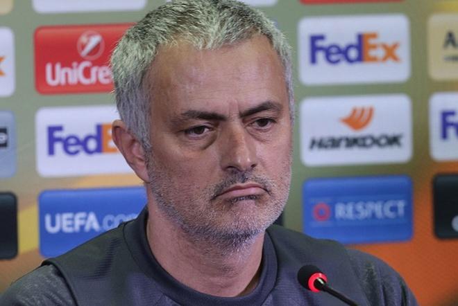 Mourinho mia mai: 'Oliver la trong tai xuat chung' hinh anh