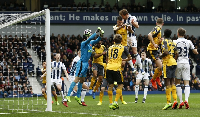 West Brom vs Arsenal (3-1): Ac mong bong bong hinh anh 12