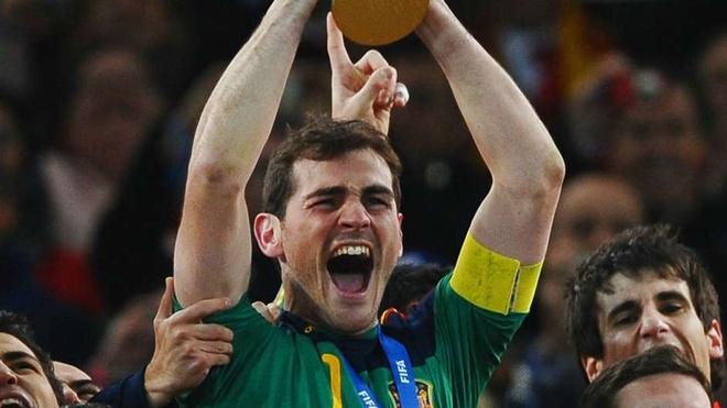 Buffon, Casillas va 8 danh thu khoac ao tuyen quoc gia nhieu nhat hinh anh 9