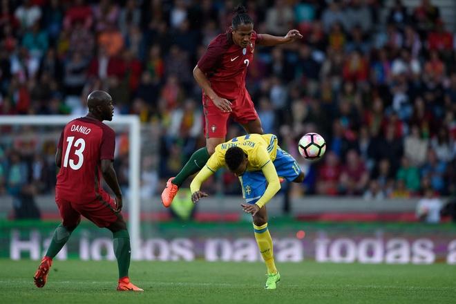 Ronaldo ra nghi som, Bo Dao Nha thua nguoc Thuy Dien hinh anh 3