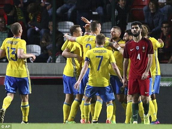 Ronaldo ra nghi som, Bo Dao Nha thua nguoc Thuy Dien hinh anh 8