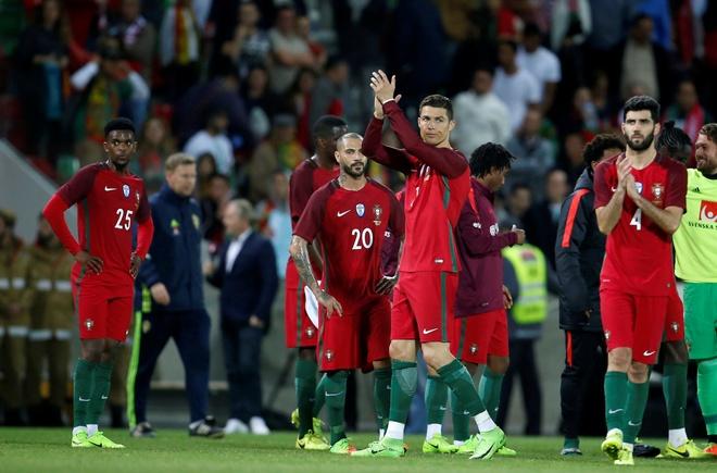 Ronaldo ra nghi som, Bo Dao Nha thua nguoc Thuy Dien hinh anh 9