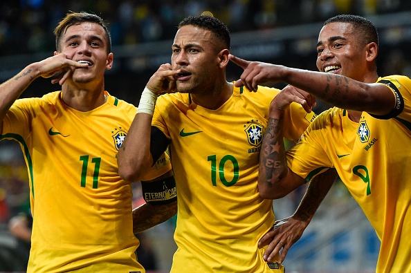 Neymar an mung ve du World Cup ben nguoi dep va ruou hinh anh 7