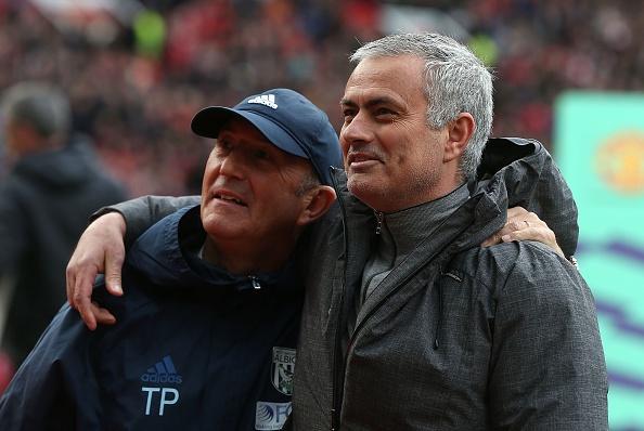 Mourinho noi gian voi phong vien anh 1