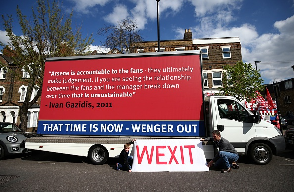 Muon kieu bieu tinh cua CDV Arsenal doi sa thai Wenger hinh anh 5
