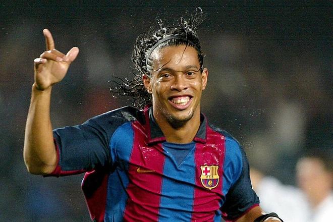 Messi, Ronaldinho sanh vai o doi hinh 8x vi dai nhat lich su bong da hinh anh 9