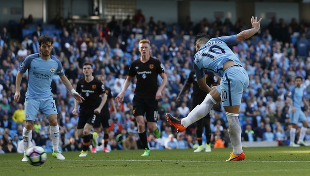 Stoke vs Liverpool (1-2): 'The Kop' ghi 2 ban trong 2 phut hinh anh 21